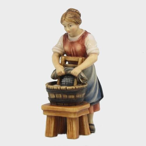 Handbemalte Kostner 025 Krippenfigur Wäscherin