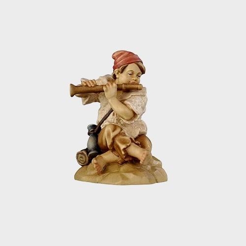 Rainell 016 Krippenfigur Junge sitzend mit Flöte