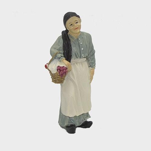 Krippenfigur Oma stehend