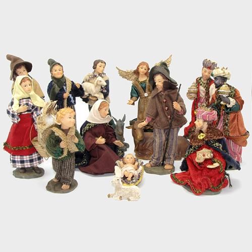 Krippenfiguren heimatlich / alpenländisch bekleidet
